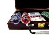 Покерный набор на 200 фишек в деревянном кейсе